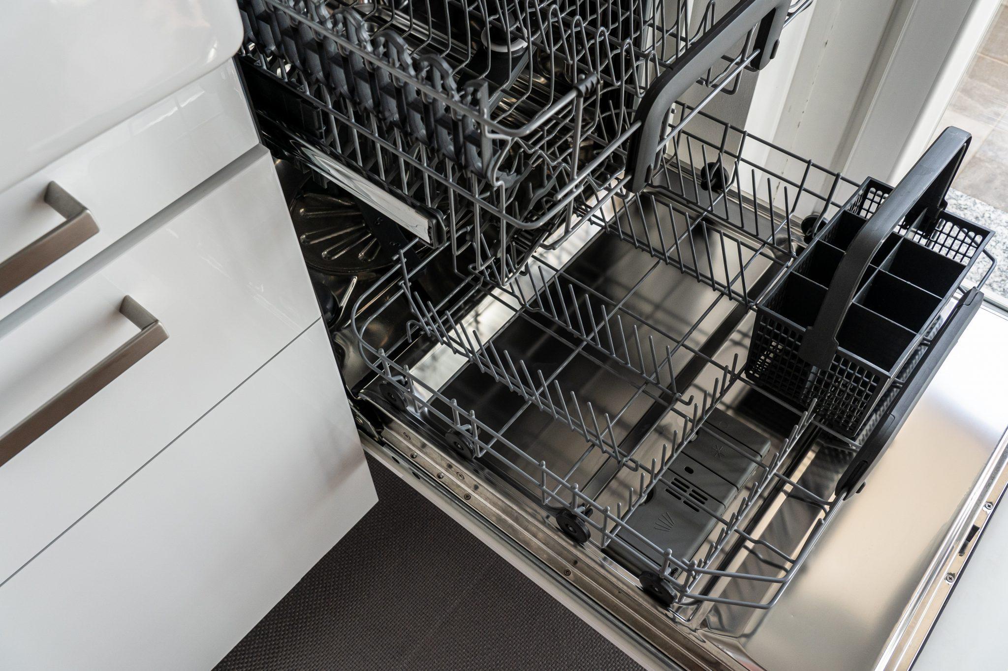 5 conseils pour une vaisselle étincelante au lave-vaisselle...